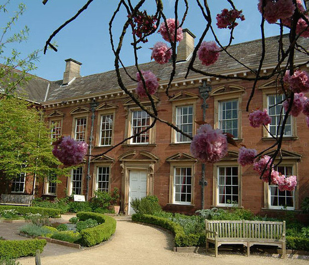 3-tullie-house-garden